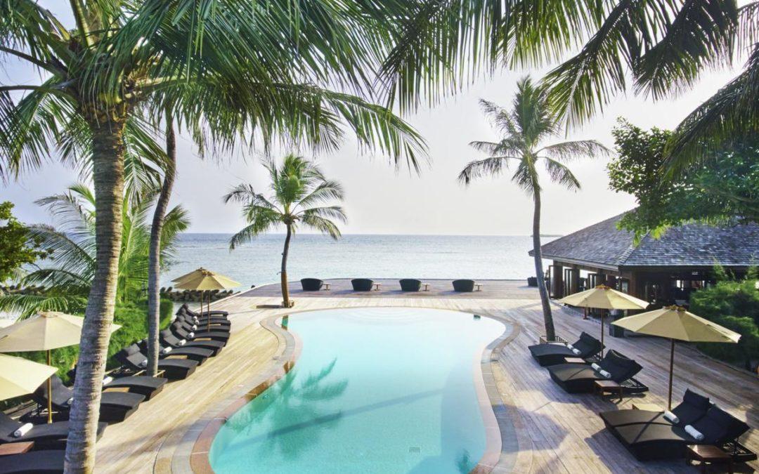 Горящий тур на Мальдивы: Kuredu Island Resort & Spa 4*