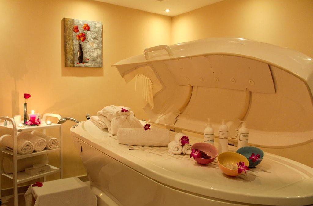 Горящий тур: ОАЭ,  Рас Аль Хайма, Golden Tulip Khatt Springs Resort & Spa 4*